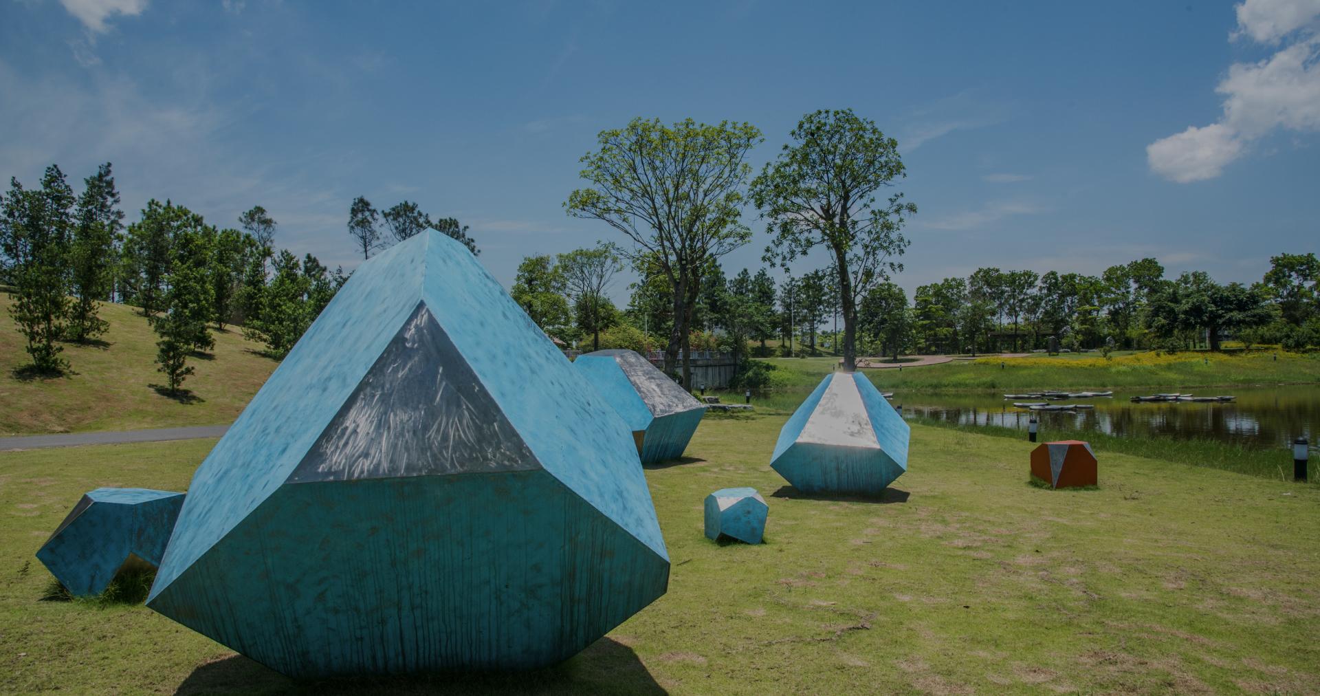 """Theo Dân trí - Nốt """"thăng"""" trong dòng chảy nghệ thuật đương đại tại triển lãm Art In The Forest"""